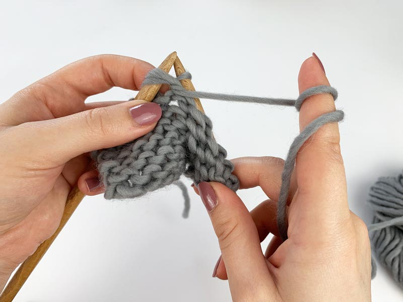2 Maschen links zusammen stricken Step 4